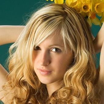Corinna (Femjoy)