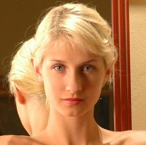 Zara A (MET-ART) / Stanislava (PureBeautyMag) / Victoria (MC-Nudes)