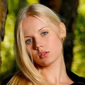 Sarah (MPL-Studios)