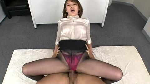 本田莉子さんのサテンブラウスセックス動画
