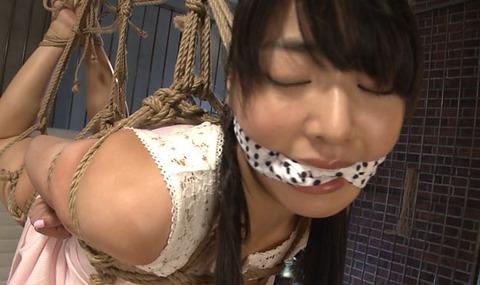 DUGA女優ランキング2位の由愛可奈の緊縛動画