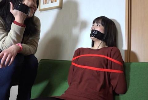 うめき声ともがきが素晴しい猿轡動画