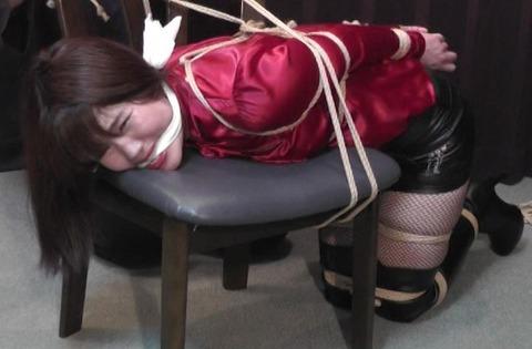 着衣緊縛のおすすめ動画「危機に陥った緊縛隷嬢」
