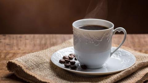 コーヒーにミルクや砂糖入れちゃう人ってなに?ブラックコーヒーも飲めないお子ちゃま?
