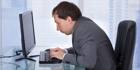 長時間机に座ってても疲れない筋肉をつけたい