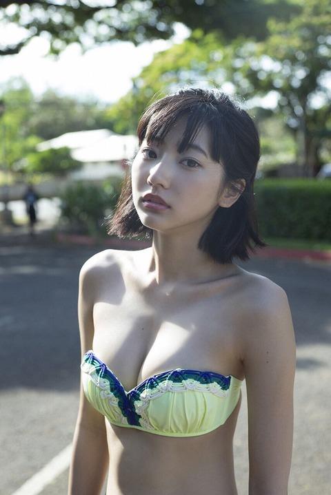 武田玲奈さんの水着