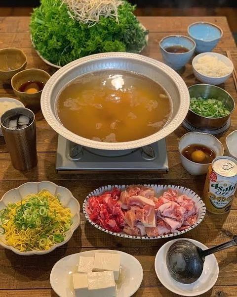 【画像】家で鍋やる時、これって普通か??