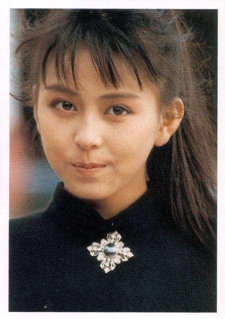 【画像】橋本マナミ、13歳にしてこの色気!美少女コンテスト時代の写真が反響←これに対する女性の反応wwwの画像