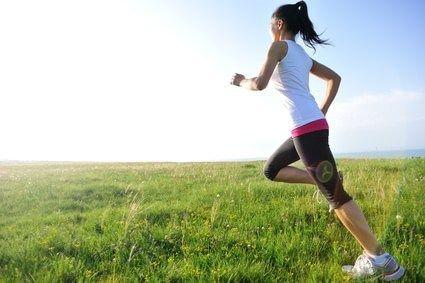 毎日3.5km走ってるんだがCal計算したらおにぎり二個分で草の画像