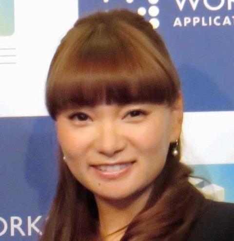 【画像】保田圭(36)が食空間コーディネーターとかいう資格を取得するらしいが何それ?の画像