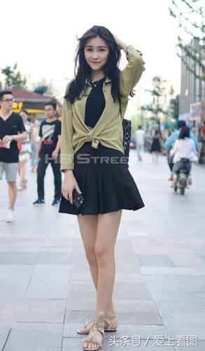 【画像】韓国女子特有の色白スレンダーボディが最高すぎるwwwww