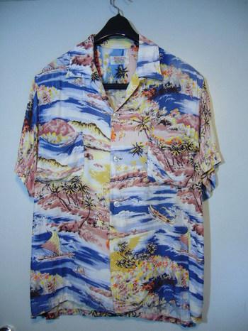 ハワイアンシャツ