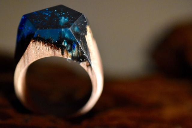 this-unique-wooden-ring-is-unlike-anything-youve-ever-seen-1
