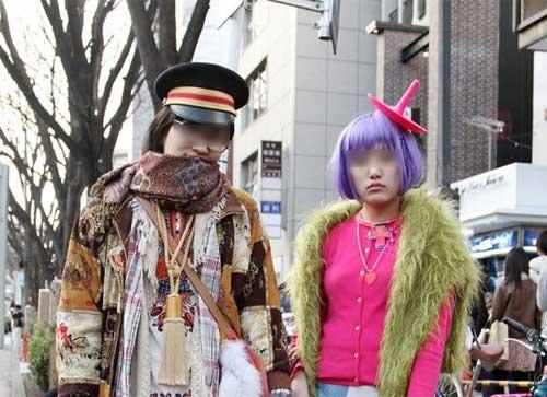 海外で『東京の異常なファッション』と紹介されたストリートスナップ77枚