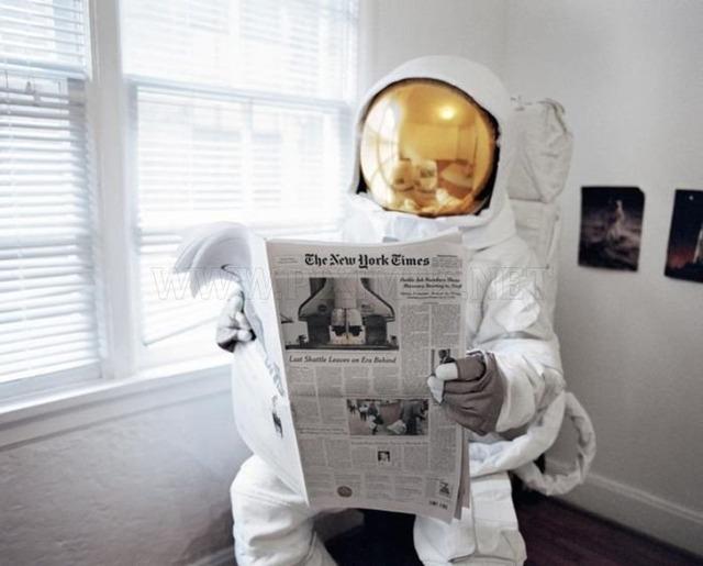 自殺をしたがる宇宙飛行士の画像