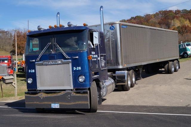 アメリカらしい力強さ!MACKのトラック集(画像27枚)