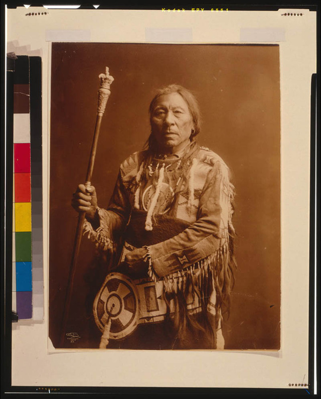 native-american-portraits-by-edward-s-curtis-early-1900s-9