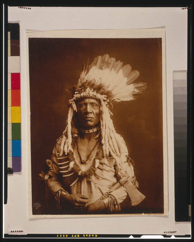 native-american-portraits-by-edward-s-curtis-early-1900s-12