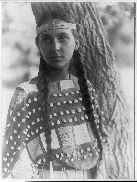native-american-portraits-by-edward-s-curtis-early-1900s-16