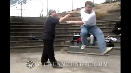 """もはや無敵。中国拳法""""意拳""""の達人"""