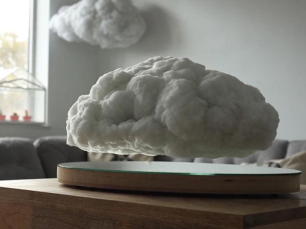 空中に浮かぶ雲形のスピーカーが話題!音楽に合わせて稲光も発生!