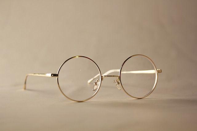 glasses-1616534_640