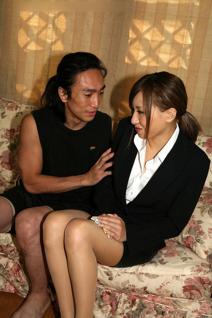 ネカフェで露出オナニーする痴女ギャル娘の雌 個人撮影自撮り