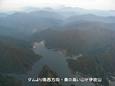 02_ダムより南西方向 奥の高い山が伊吹山