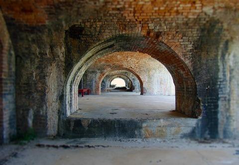 tunnel-1572456_960_720