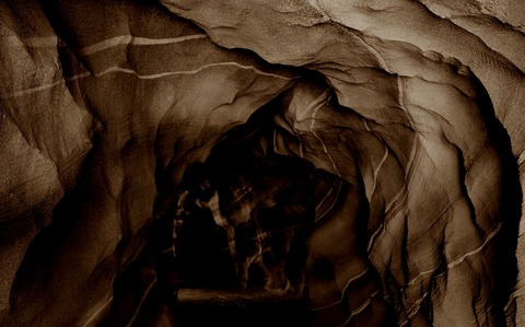cave-471860_1920
