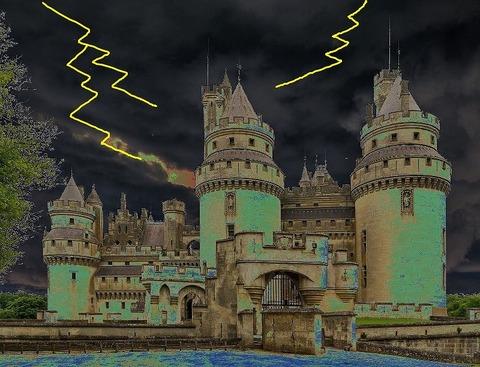 pierrefonds-castle-535531_1920脅威と知識の城