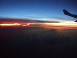 機内からの日の出風景