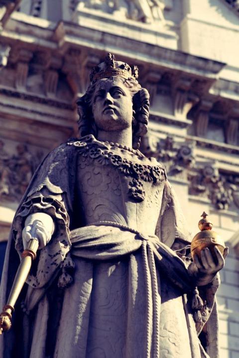 Queen Victoria MAY222017 01