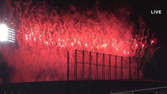 中日・滝野要がプロ初ヒットを放つ! → 盛大に花火が打ち上がる!? 滝野「びっくりしたー」【動画】