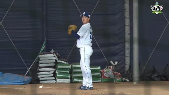 中日ドラフト2位・森博人投手、ブルペン投球を披露! 力強いボールを投げ込む!【動画】