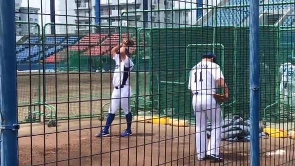 中日・松坂大輔、小笠原慎之介、笠原祥太郎がブルペンで投球練習