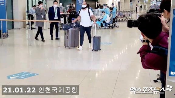 元中日・アルモンテ、韓国に降り立つ【動画】