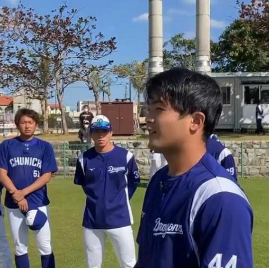 中日・郡司裕也捕手「僕の頭の大きさは62センチあるんですけど、62センチっていうのはバレーボールと同じサイズなんです」【動画】