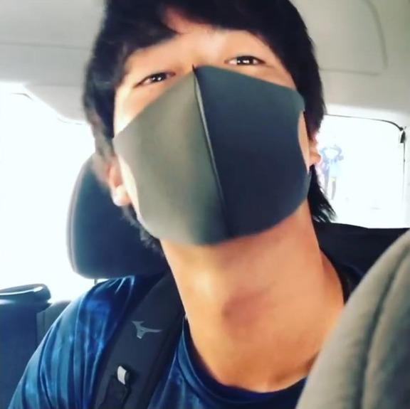 中日・梅津晃大投手、カメラに向かってウインクしまくる【動画】