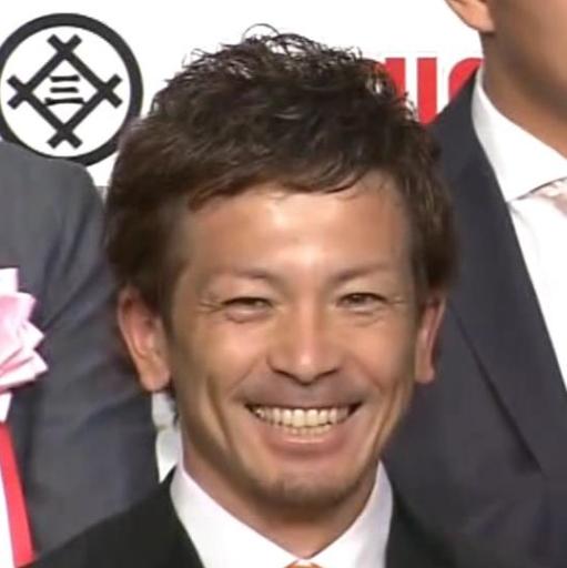中日・高橋周平、「第48回 三井ゴールデン・グラブ賞」の表彰式で場内の爆笑を誘う 坂本、菊池らも大爆笑