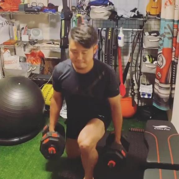 中日・鈴木博志投手が自宅でのトレーニングの様子を公開!【動画】