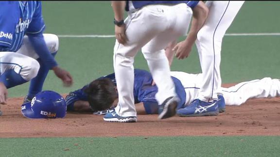 中日・井領雅貴、送球が直撃し倒れ込む…病院へは行かずアイシングをして様子見