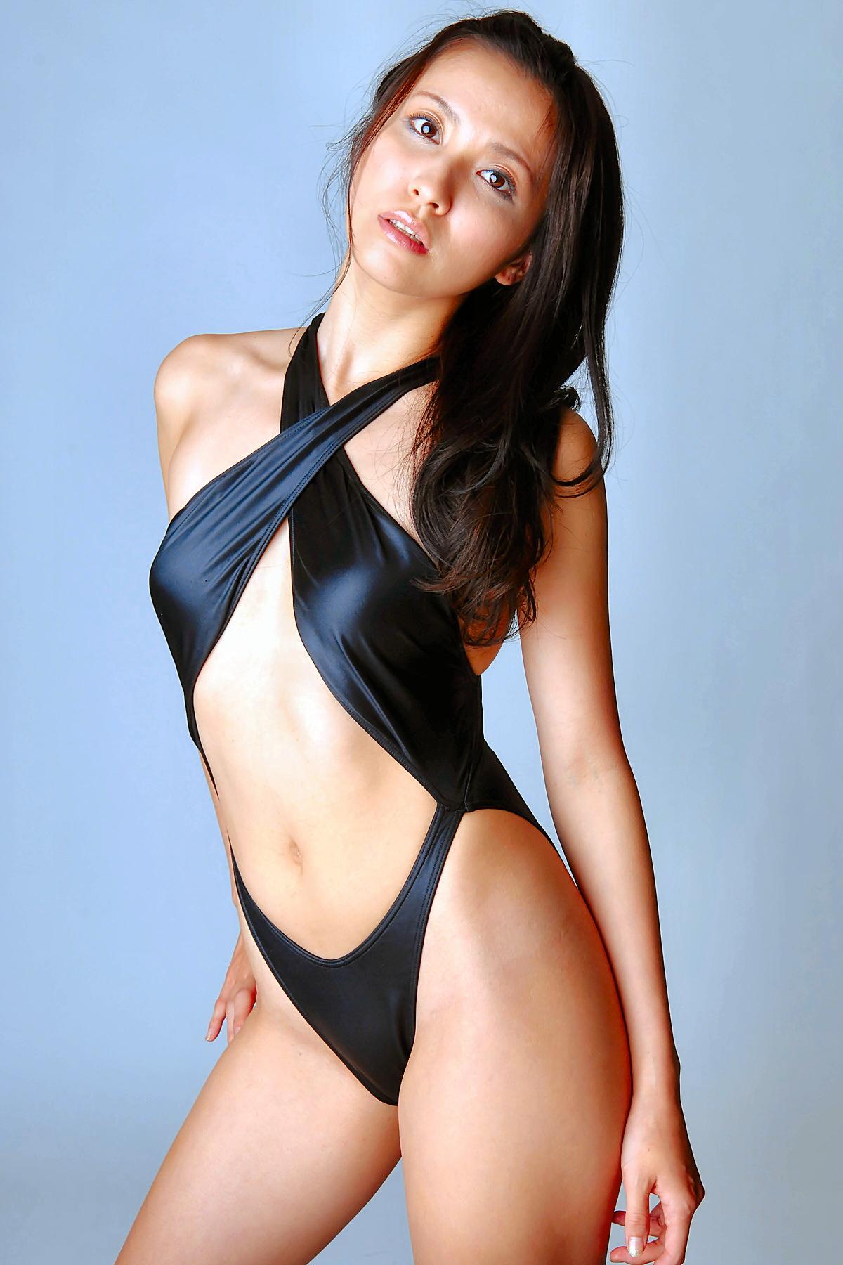 Bikini model milani