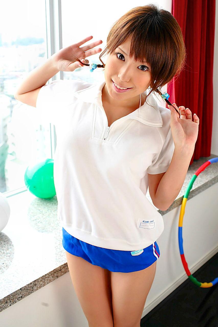 洋服が素敵な小田ひとみさん