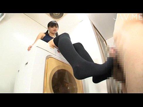 スクール水着ニーソックス10代小娘の足コキでおじさん昇天 part1 (えろムービー)