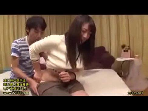 脱ぐのを恥じらう純粋系美10代小娘がデカパイだった☆ (えろムービー)