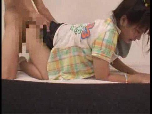 一生懸命腰を動かすプリ尻10代小娘のSEX part2 (えろムービー)