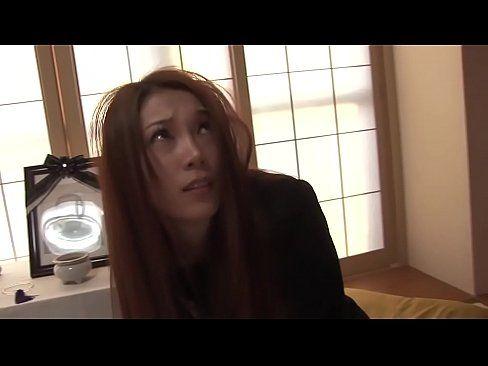未亡人が死んだ夫の借金返済に体を売られる 【エロ動画】
