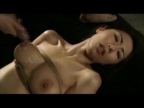 身動き奪って強姦、揺れる美しい乳wwwwww (えろムービー)