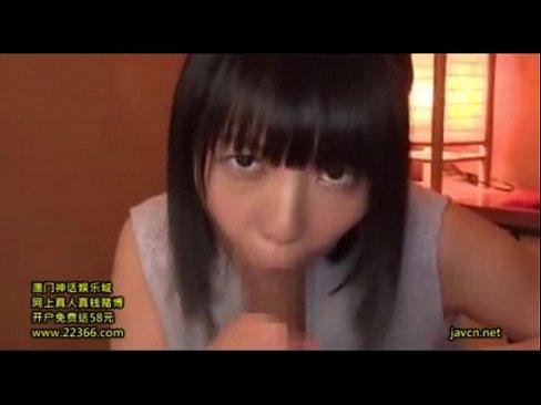 少女GAL、こっち見ながらパクッ☆ (えろムービー)